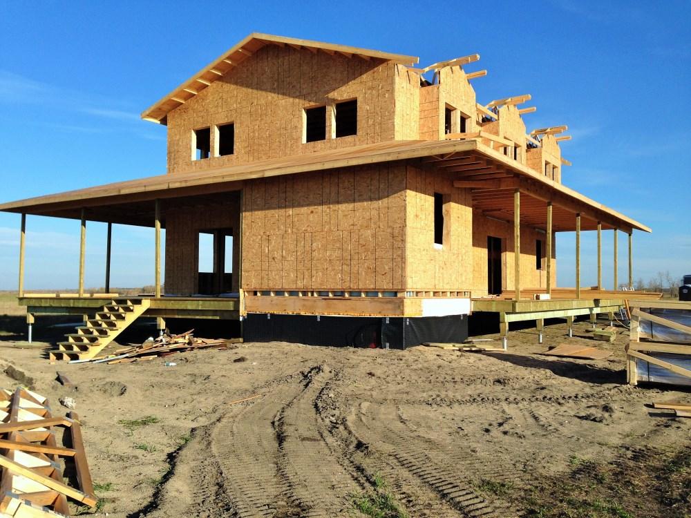 строительство дома на сваях